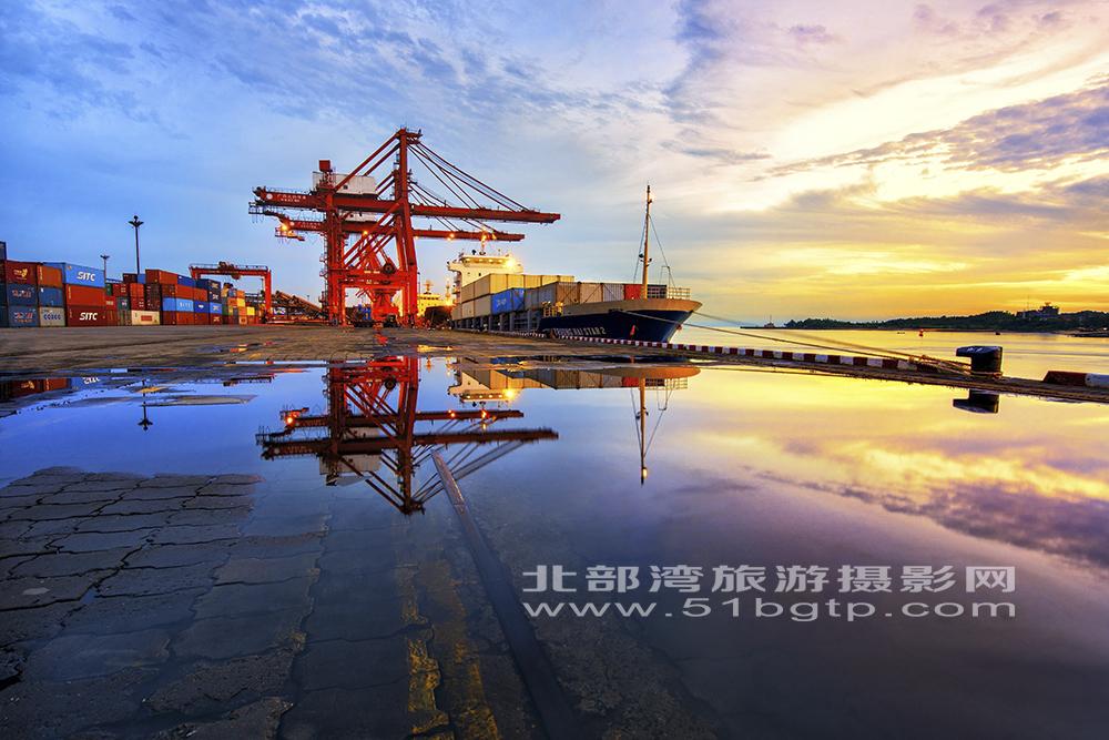 《碼頭之彩》黃雪娟13807704333-