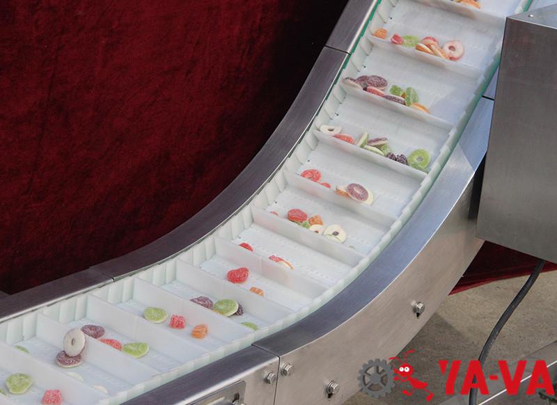 食品行業-爬坡網帶輸送機5-5