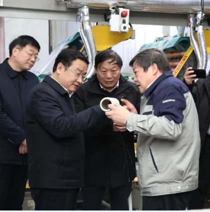 河南省副省长王新伟到公司参观调研