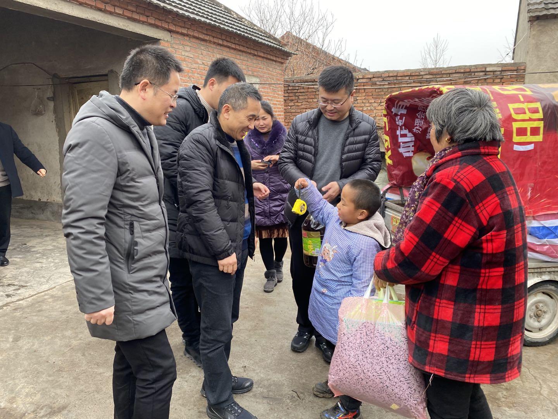 2020年春节走访慰问区困境青少年、留守儿童