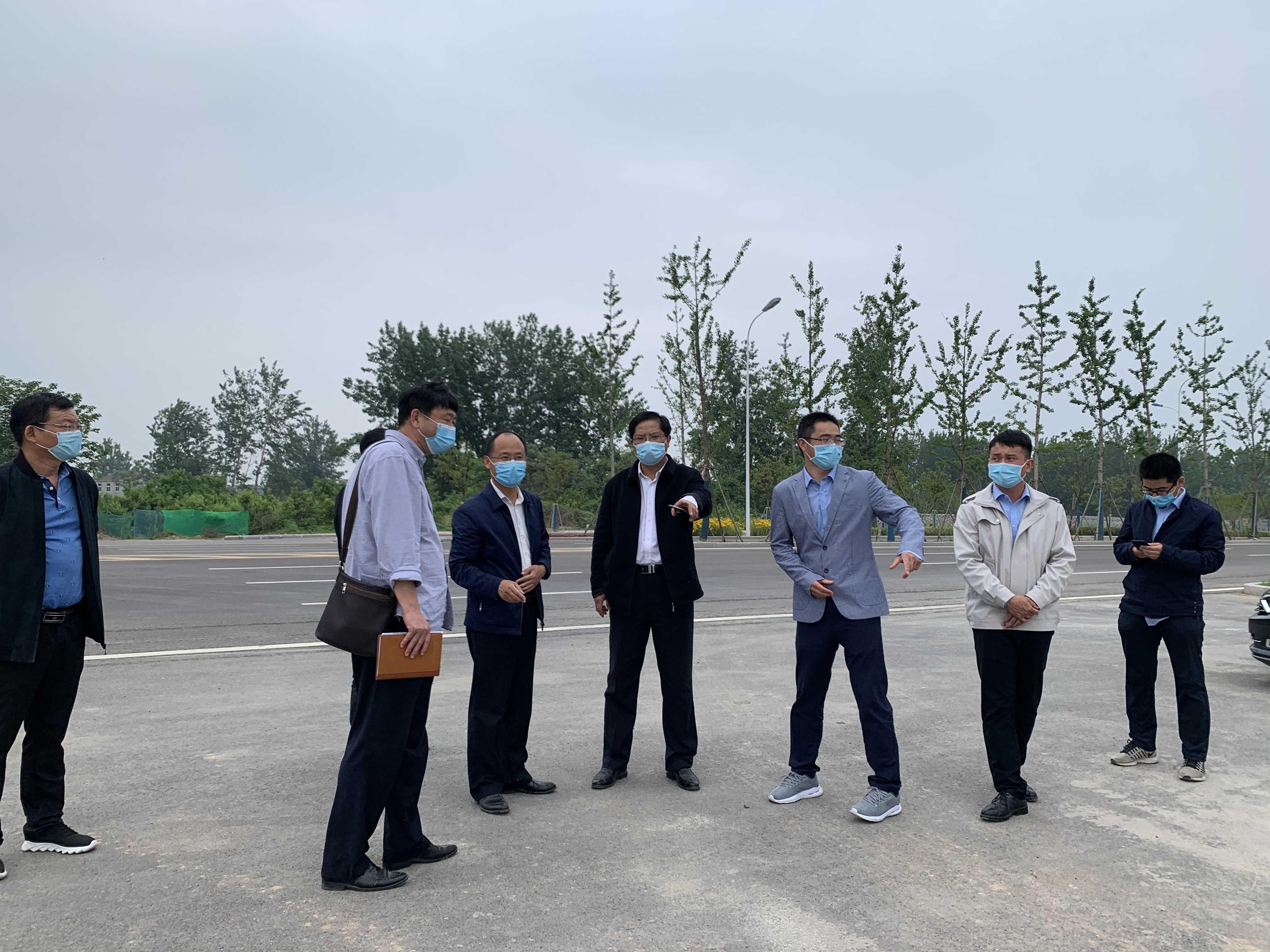 区委常委、常务副区长王学成调研杜集区人民医院搬迁项目
