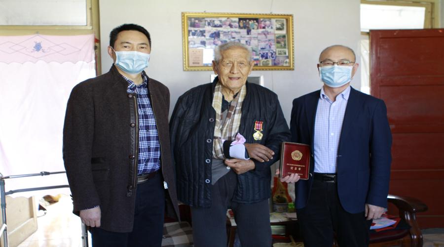 3201医院走访慰问抗美援朝离退休老同志