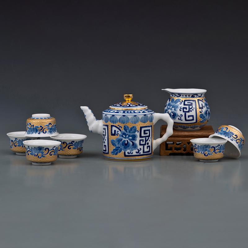 回纹牡丹纹描金茶具