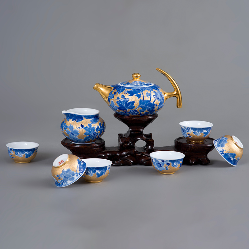焦叶纹描金茶具