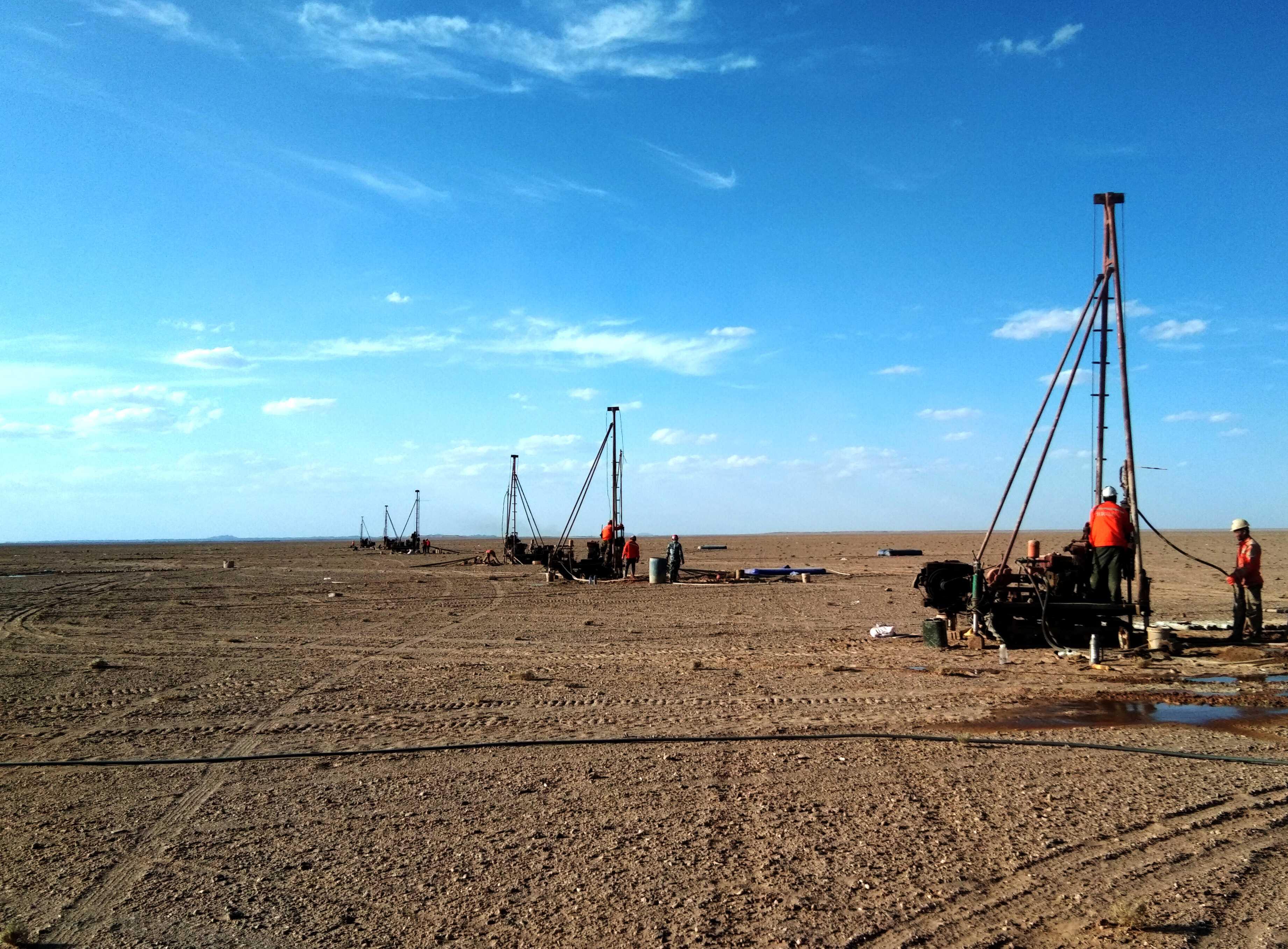 阿拉善右旗塔木素天然堿開發利用項目工程勘察