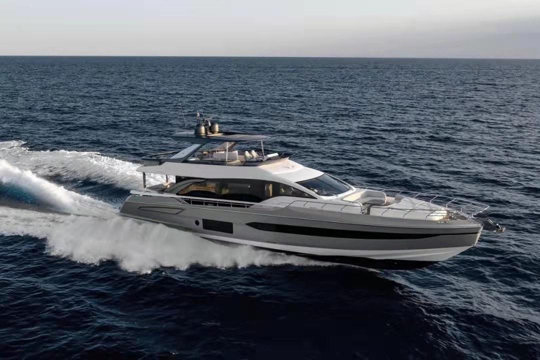 戛納游艇節上,法藍克游艇宣布售出阿茲慕78Fly