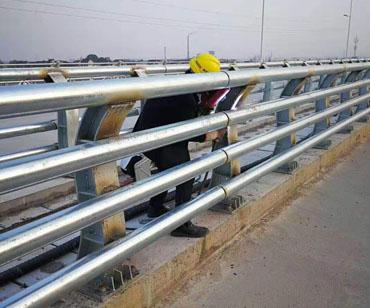 不銹鋼復合管橋梁護欄