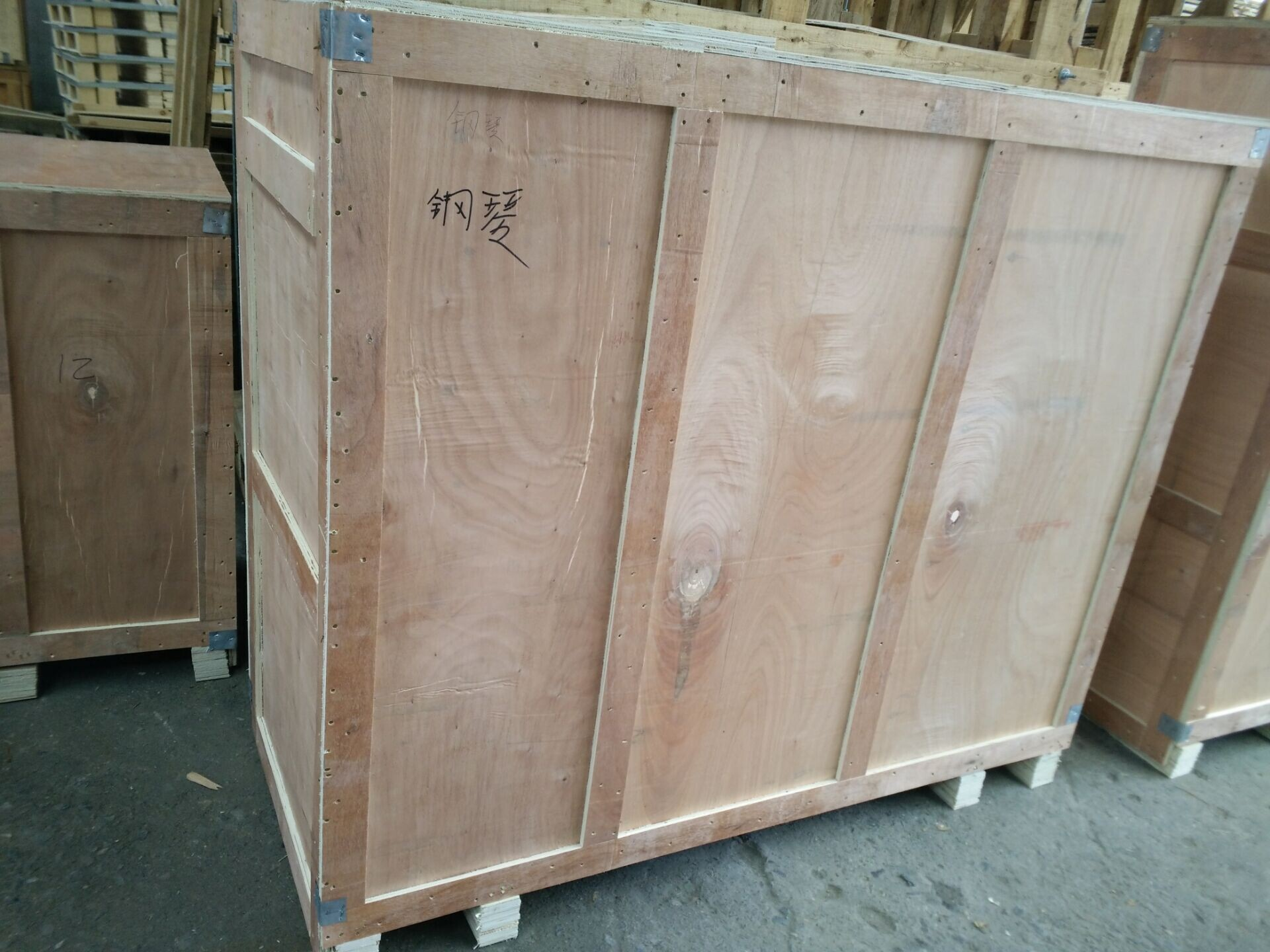 木箱包装-钢琴照片