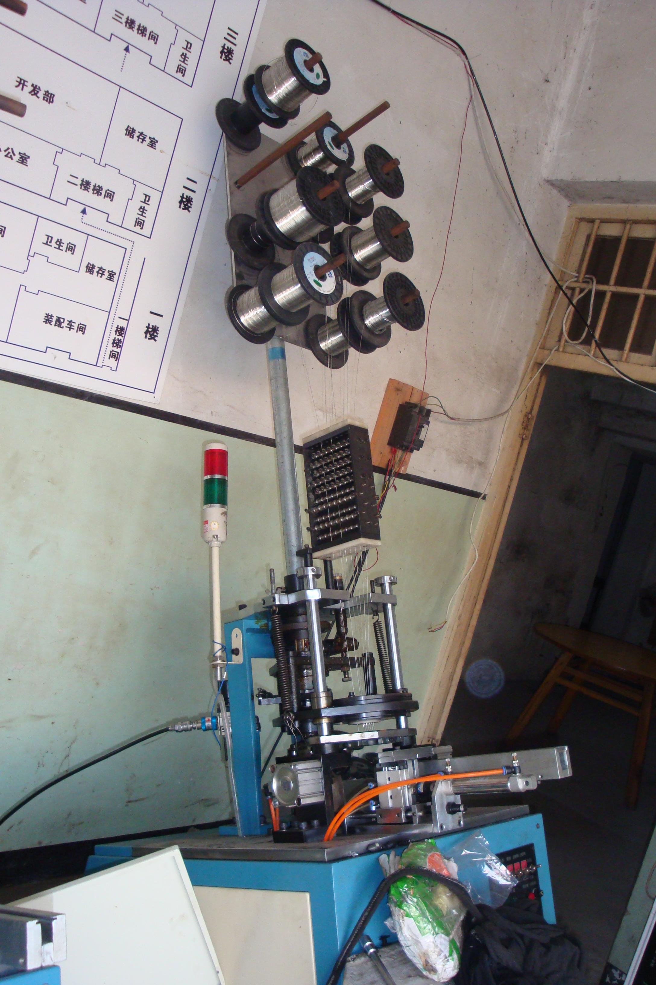 骨架插针机3