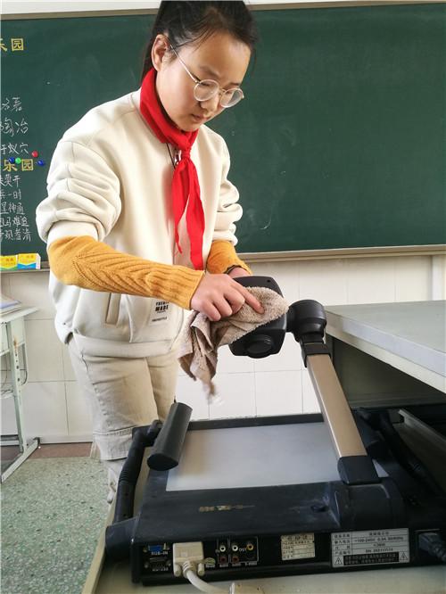 4、电教设备小先生