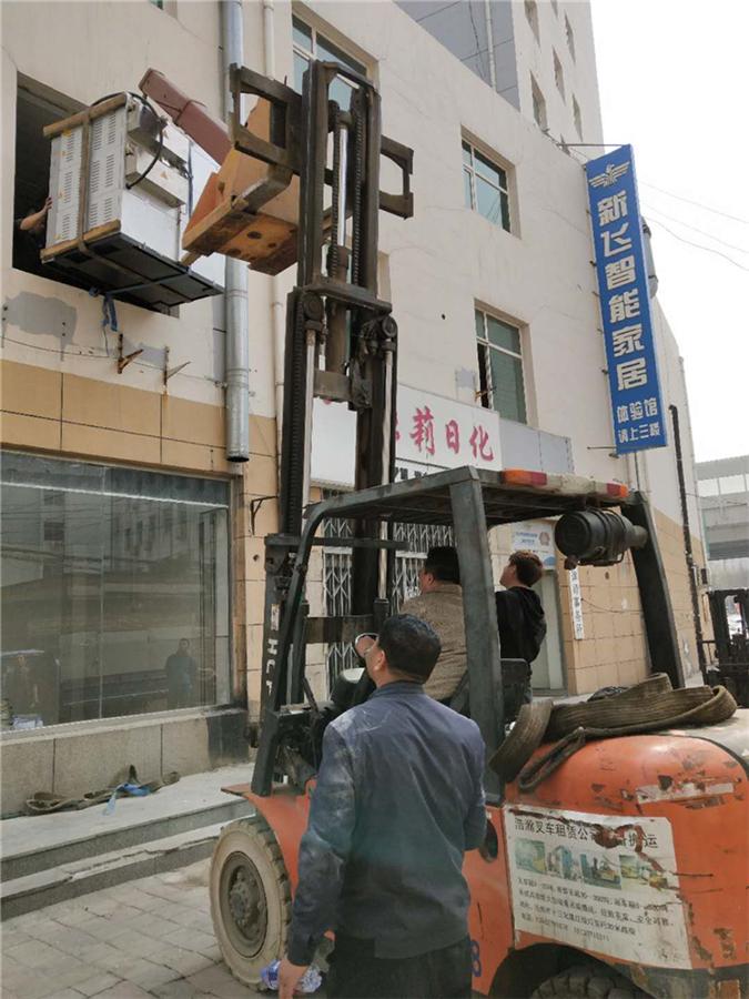滄州叉車租賃施工現場
