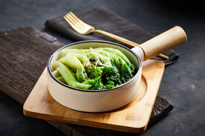 Romaine lettuce with soy sauce 32942
