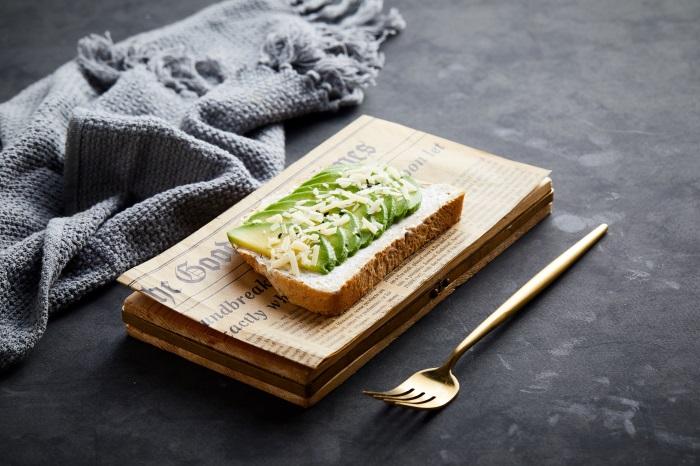 Avocado bread 33337