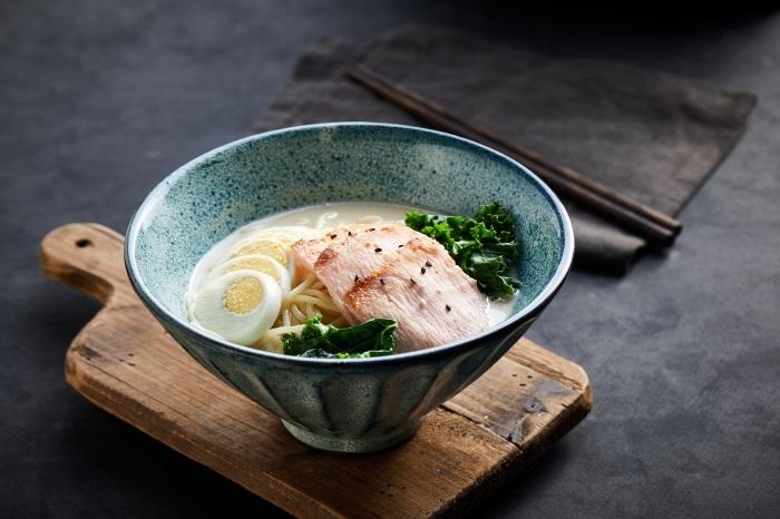 Noodles with bone soup 32902