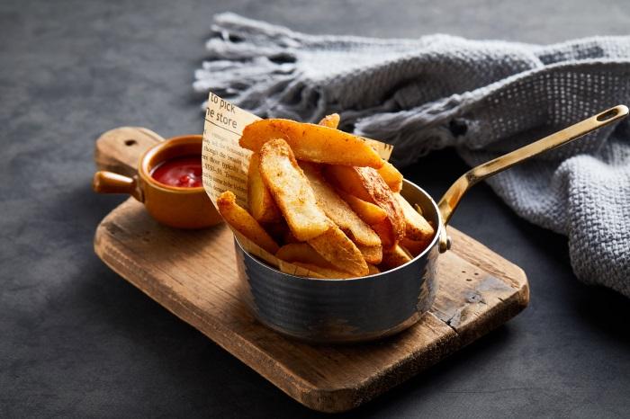 Crispy fried potato chips 33113