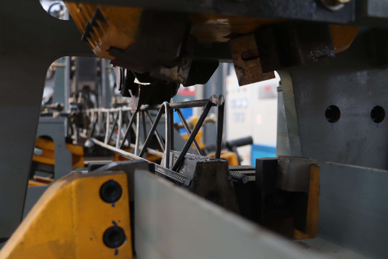 桁架焊接機