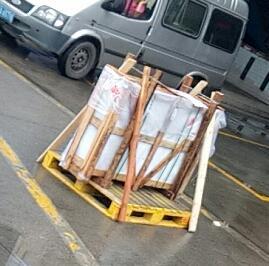玻璃制品空運及包裝
