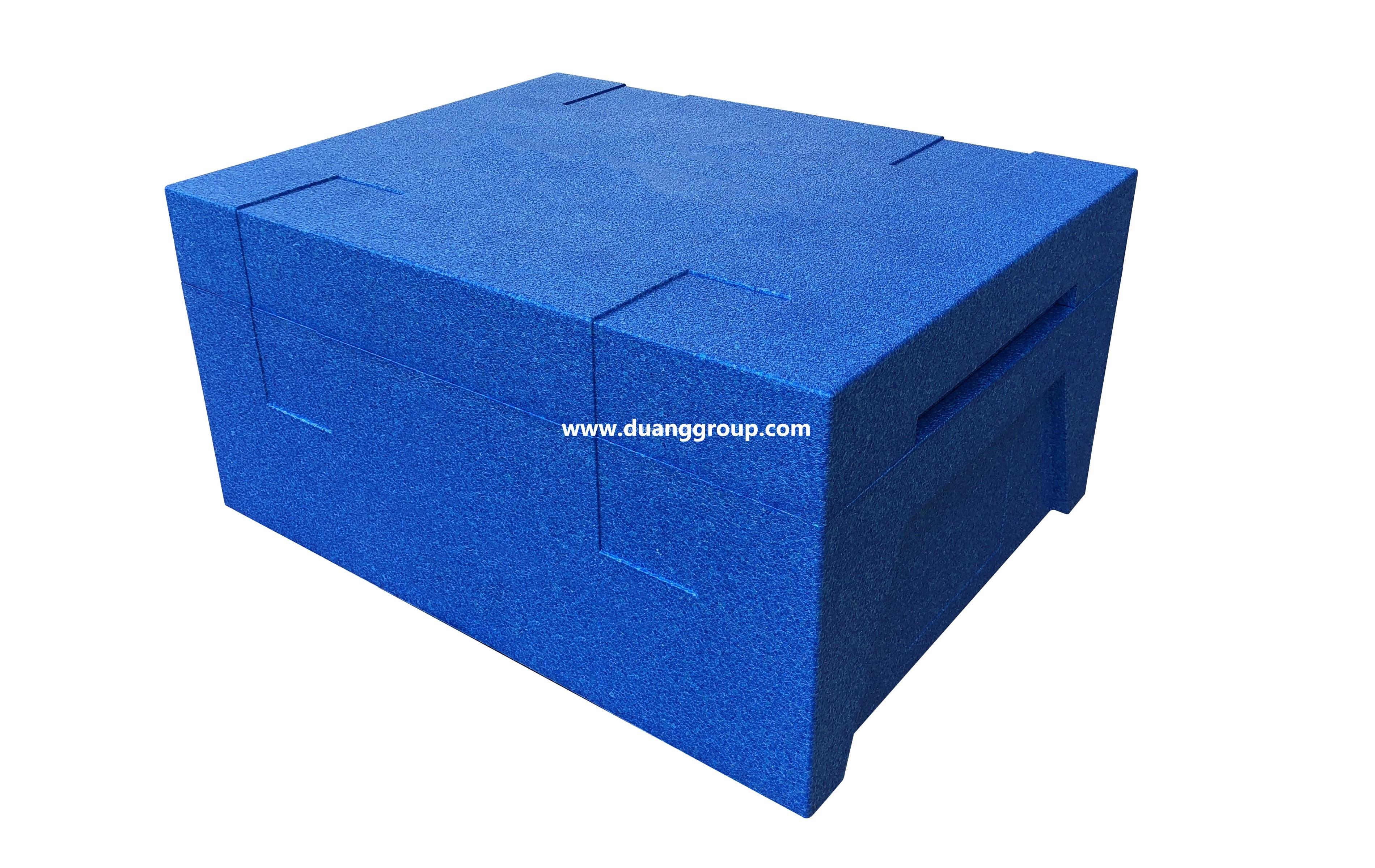 蓝色周转箱