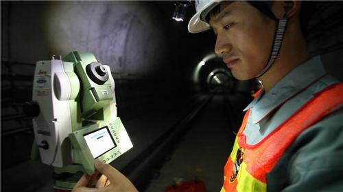工程二处在南京地铁进行运行监测