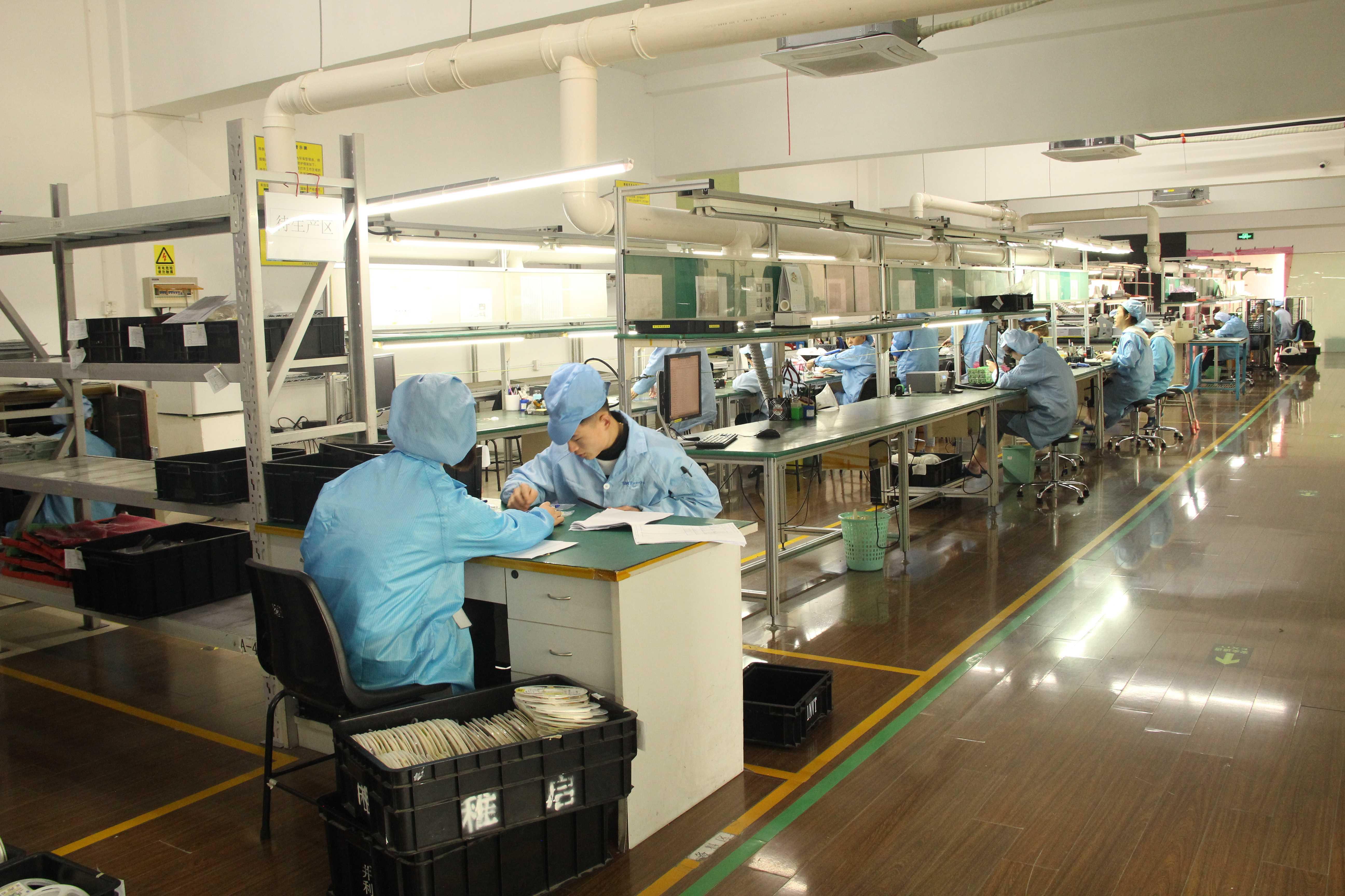 上海巨傳電子PTH焊接車間5