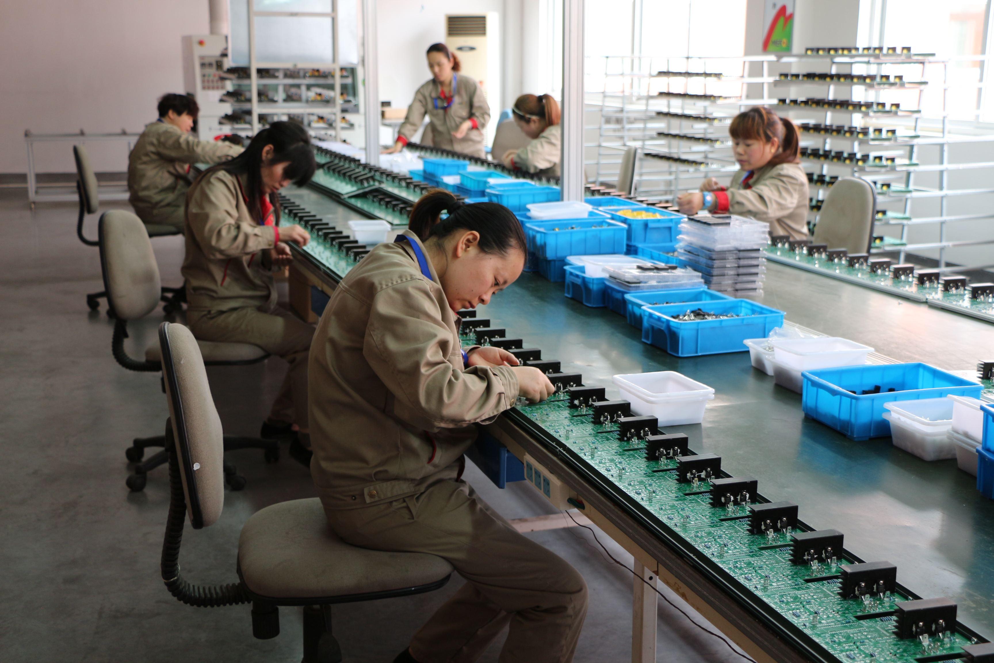 上海巨傳電子手工焊、插件焊接