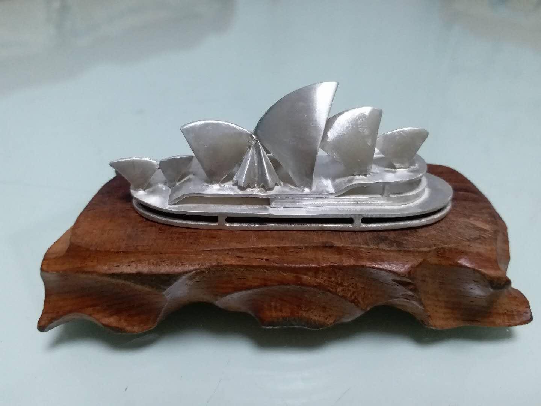 周鏡釗《澳洲悉尼歌劇院》足銀擺件