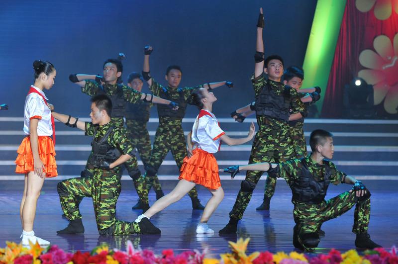 校园风采-舞蹈《不能忘却的记忆》