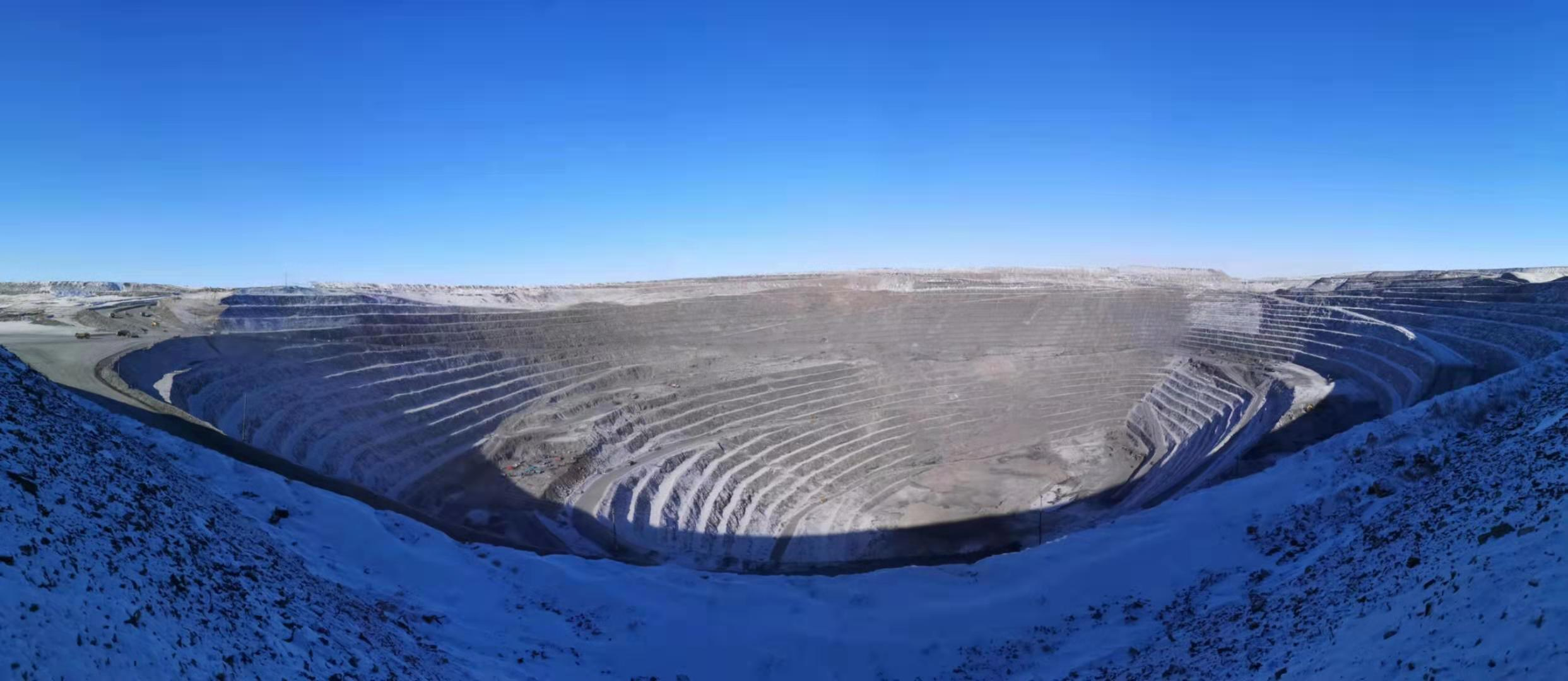 雪后的采坑