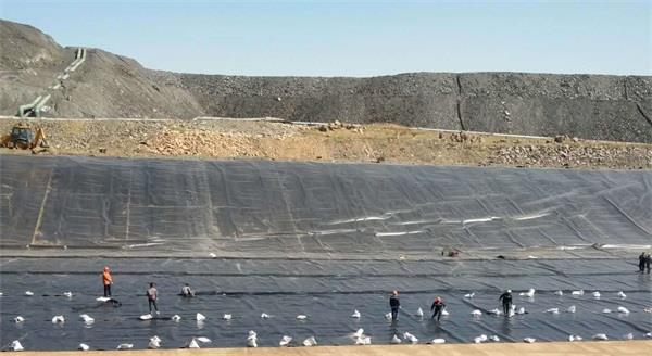內蒙古太平順利完成事故池底墊鋪設工作