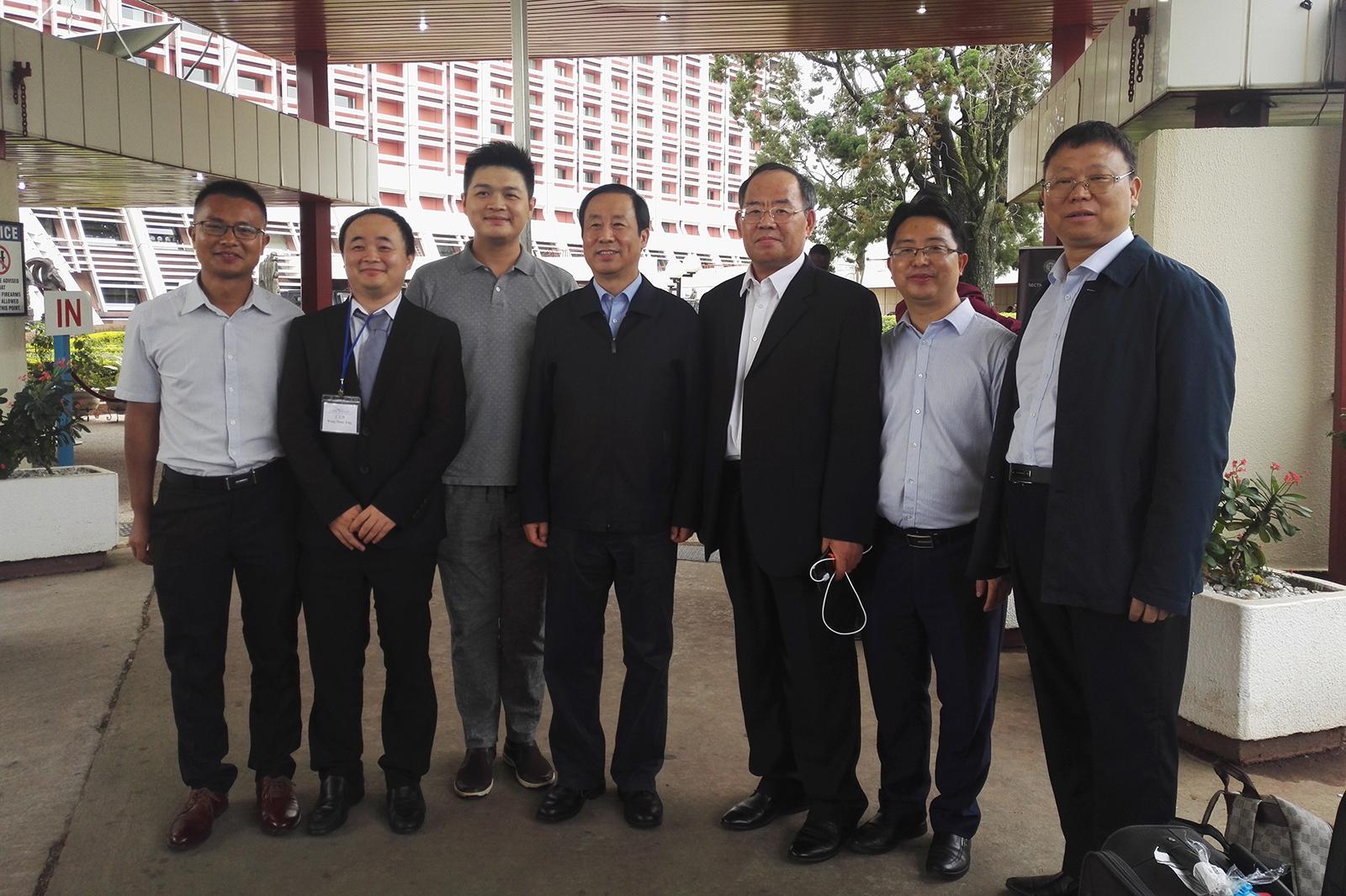 2018年6月29日,與湖南省省長許達哲合影