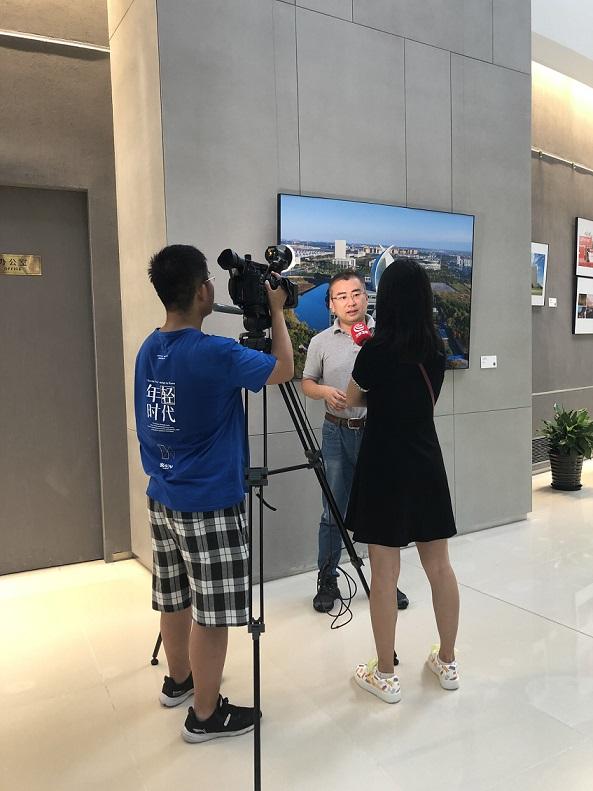 臨港采訪圖段博士2
