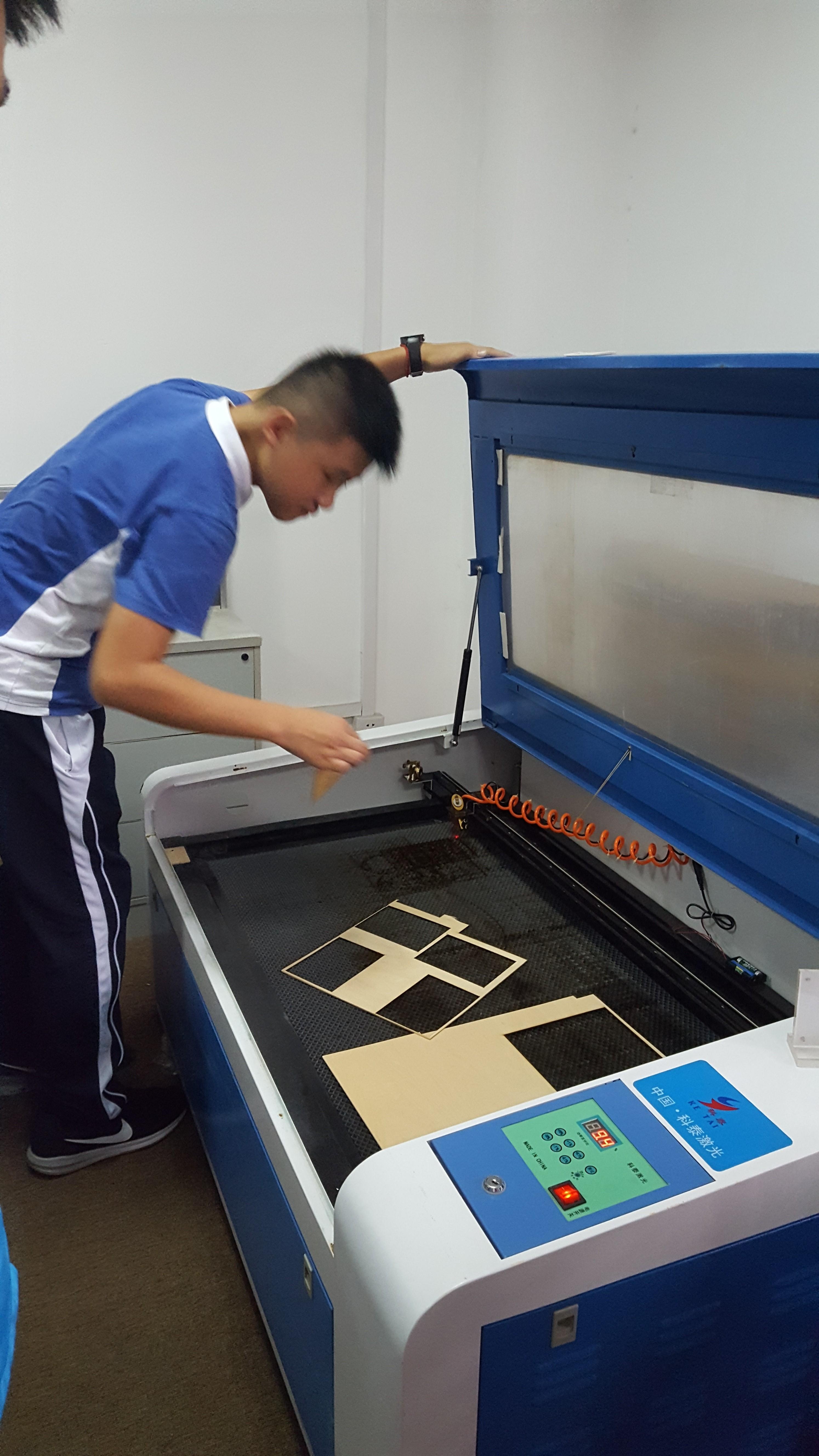 激光切割機航模拼裝與課程3