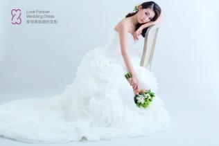 I:\ZH\ZH\婚紗禮服\摯恒高級婚紗定制900x600本_副本.jpg