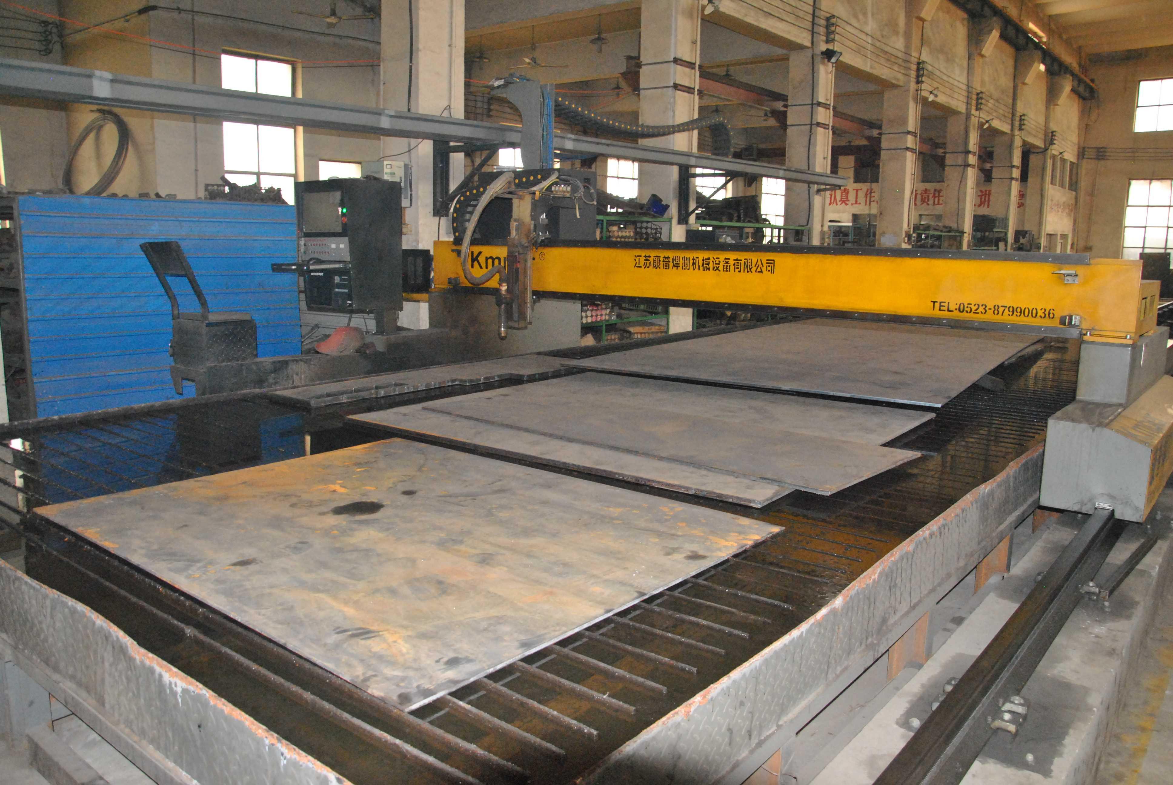 廠區、設備及證件照片-冠力公司-數控等離子切割機-割板厚度2-40mm