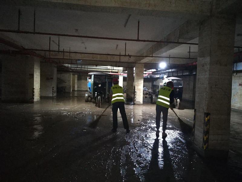 2019年5月21日,我司组织员工前往永安小陶镇参与洪涝灾后清理工作2。_副本