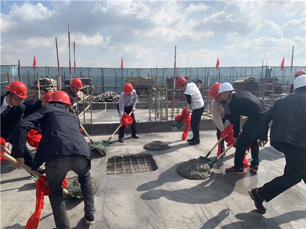 2019.10.23昆明黑林鋪城中村改造項目A7地塊封頂-總高度148