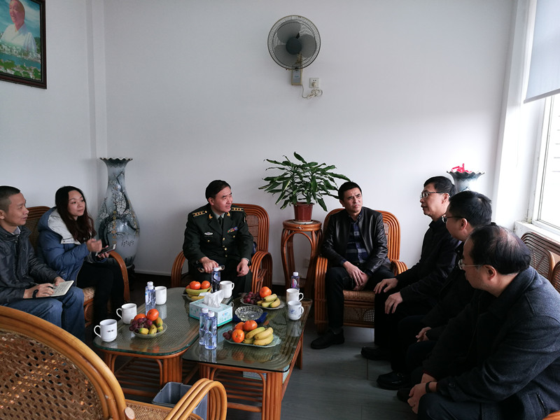 2019年3月8日,厦门市湖里区委常委人武部政委刘仁宇一行至ag电子游戏进行调研。