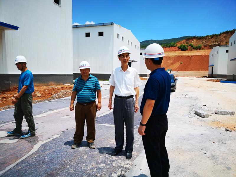 2018年7月12日,永安市委书记蒋先东到永安贡川棉库检查指导防台风玛莉莎准备工作。