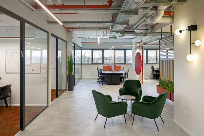 16-allot-offices-hod-hasharon-5-700x467
