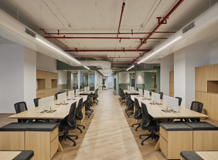 01-nomura-research-institute-offices-phase-3-gurgaon-1-700x512