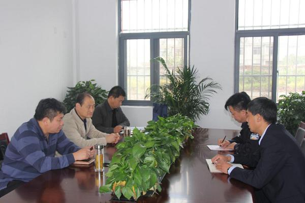 縣委常委、政法委書記王健到縣第九中學調研