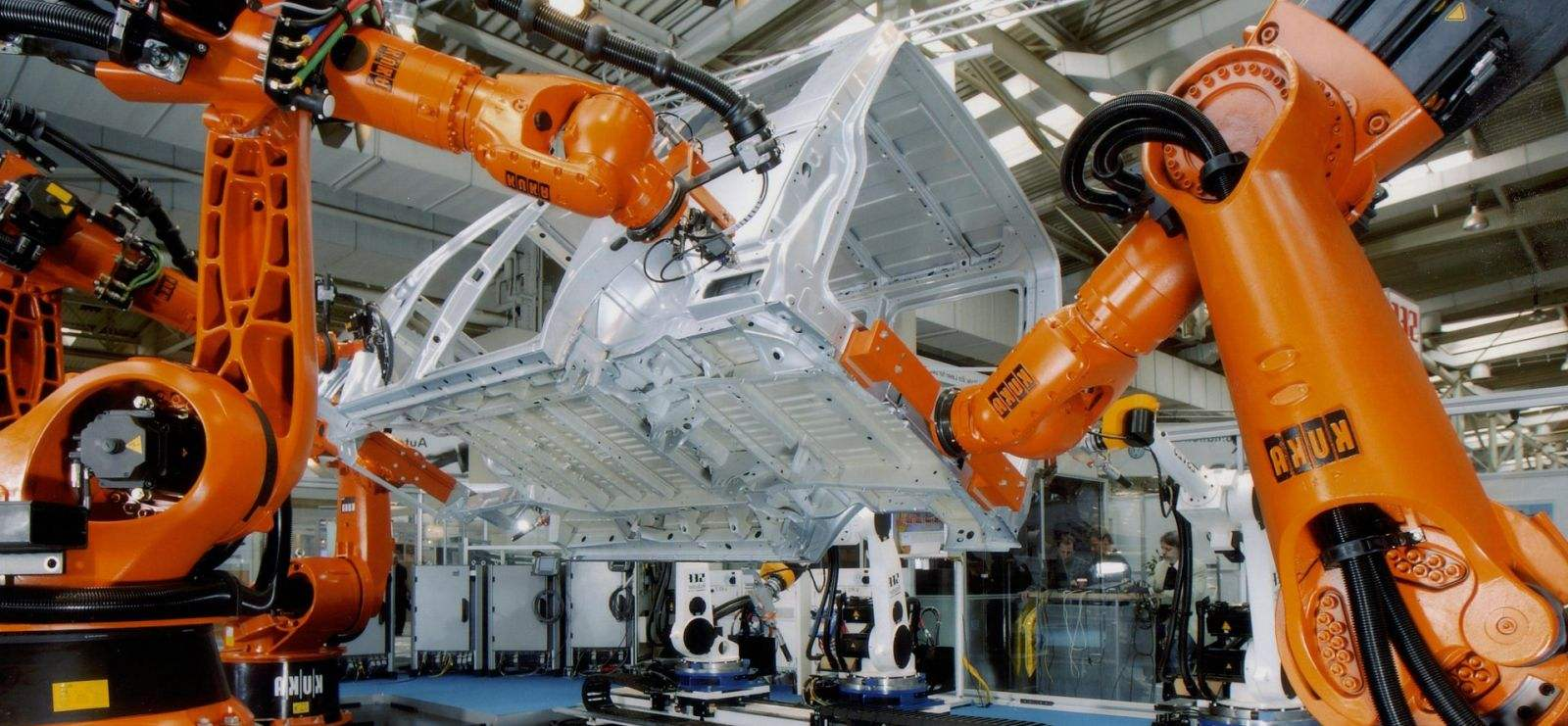 KUKA庫卡機器人搬運汽車  X Robotics愛科思機器人x-ltd.com