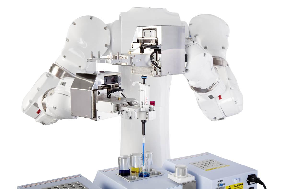 CSDA10F雙臂機器人的核心是專為實驗室區域的衛生要求而設計的新版本-2