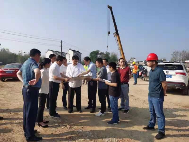 潘東旭調研六安市天堂寨路工程