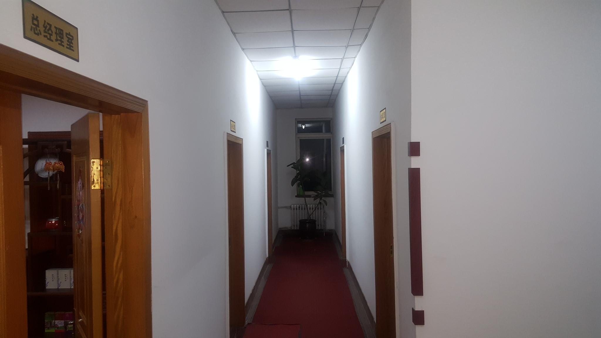 辦公區走廊