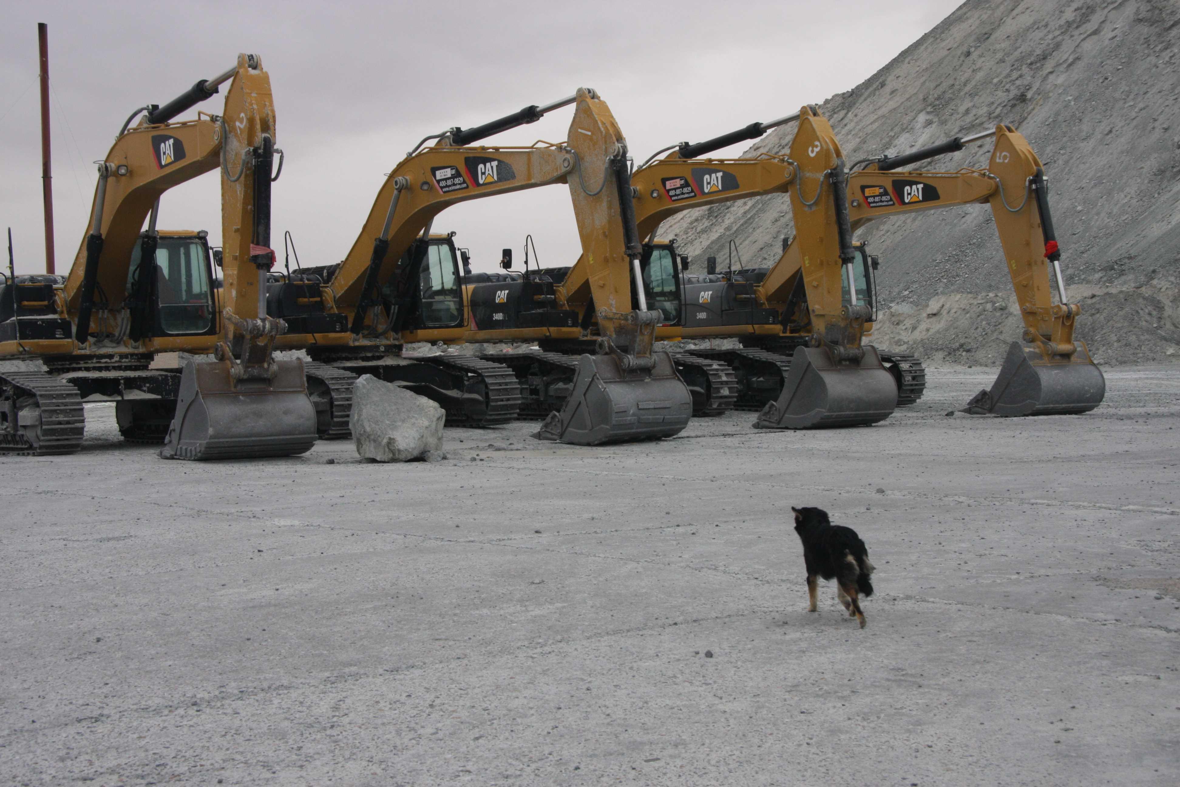 14.大型挖掘機