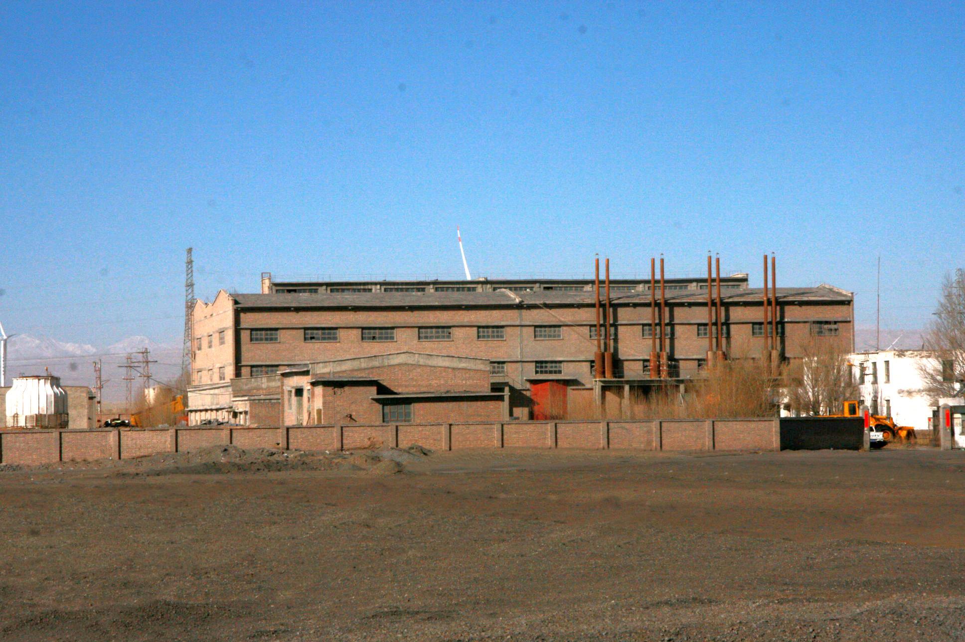 歷史照片(電力發展)—生活區柴油機組電站1