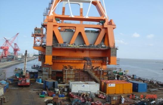 為振華重型起重船華天龍項目提供8M發電機組供電服務,12MVA負載測試服務