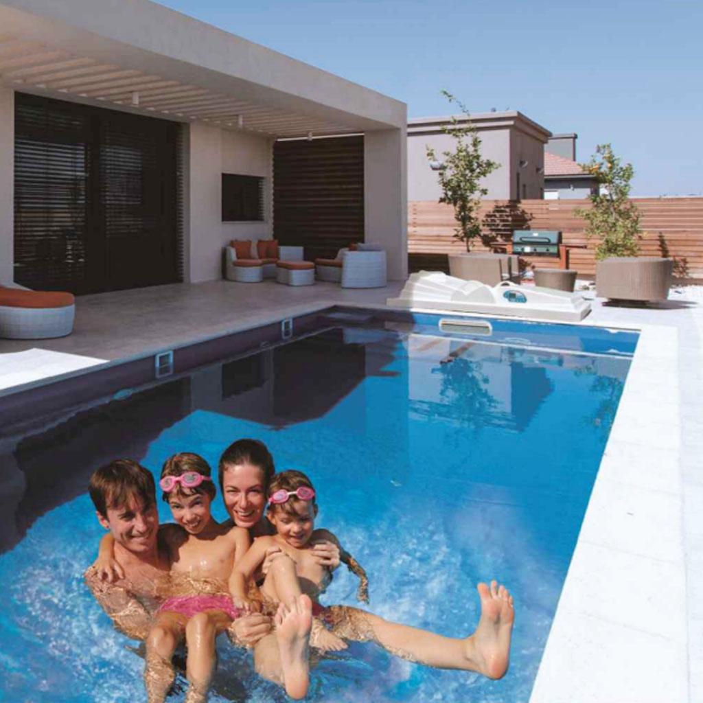 私家无边游泳池