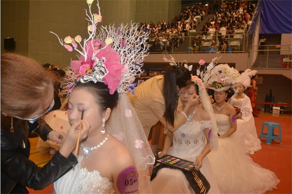 第十二屆中華兩岸世界潮流大賽比賽選手進行比賽中
